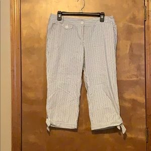 White House Black Market cropped pants